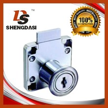 138-22 Zinc alloy furniture lock with iron keys