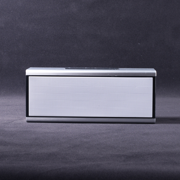 high end unique design 5w *2 aluminium case bluetooth speaker with siri TF card USB reader nfc functions