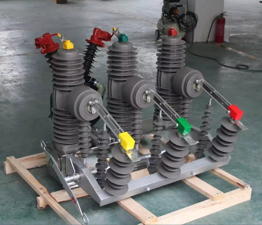 High voltage Vacuum 11kv 3 pole circuit breaker