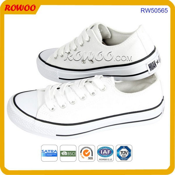 Classic design Top quality plain white and black unisex Flats Vulcanized shoes lace up canvas Shoes