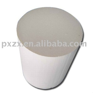 Car exhaust ceramic honeycomb catalyst carrier