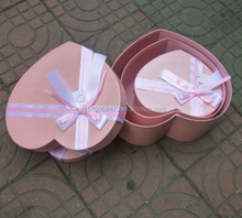 Ribbon Tie Heart Shape Gift Wrapping Paper cake box