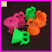 Whoelsale new 5.2cm*5.2cm*5.2cm soft silicone pink nail bottle holder hot rubber stand for nail polish bottle