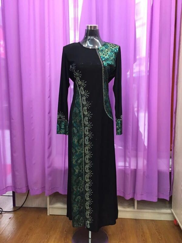 Guangzhou Supplier Online Malaysia Embroidery Muslim Jubah 2017 Muslim dress Abaya
