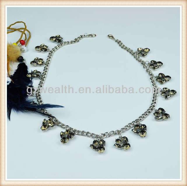 New arrival crystal statement necklace with silver claw and silver chain for decoration