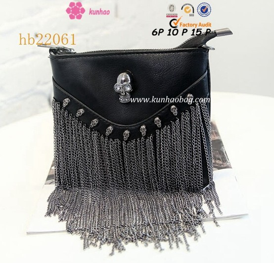 skull decorate purse with bangs