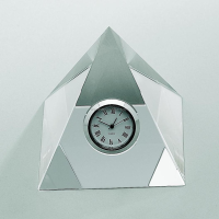 Crystal Pyramid Shape Clock With Company Logo Engraved For New Year Souvenirs