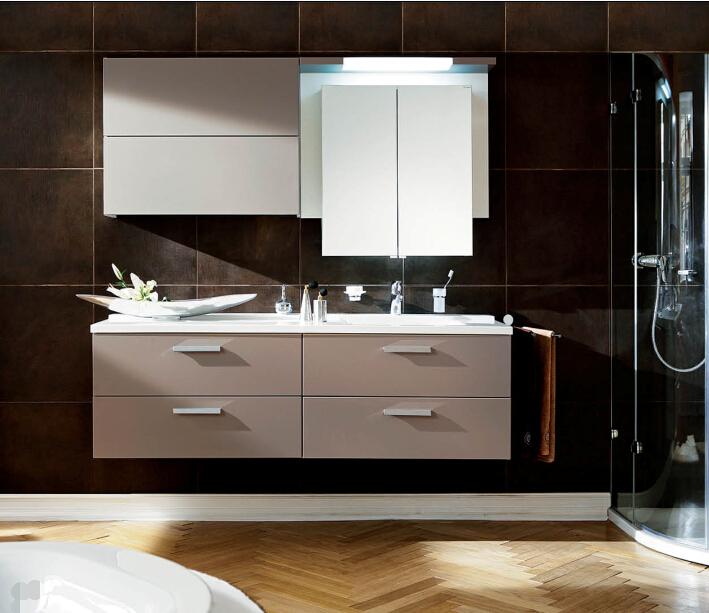 Kunststoff Oder Massivholz Spiegel Badezimmerschrank