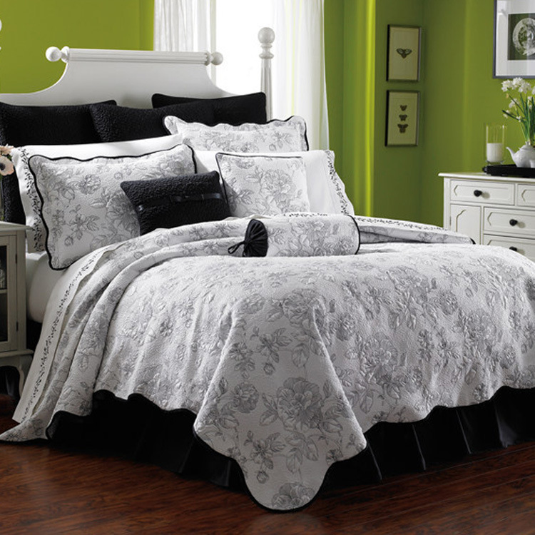 Washable 3-Piece Cotton silk Quilt Set with Floral Stitching Embroidery Bedspread Coverlet sets