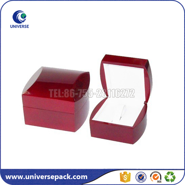 High End jewelry boxes with red piano lacquer for earrings