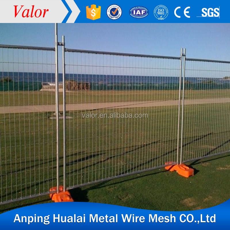 Popular welded wire mesh fence used wrought iron