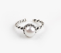 Perfect pearl finge ring on sales