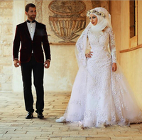 Elegant Long Sleeves Bridal Gown Appliques Court Train novia Dubai Arab Ball Gown Muslim Wedding Dress LW2208