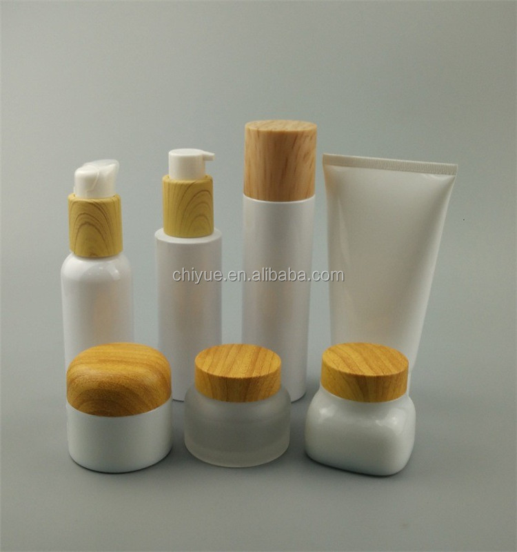 Different Volume And Style Empty plastic cosmetic jars with lids