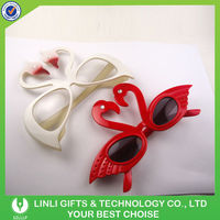 Gift Item Plastic Swan Party Glasses
