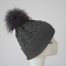 Myfur Drop Shipping China Factory Direct Hot Sale Multicolored Knitted Beanies Raccoon Pom Pom Winter Hat