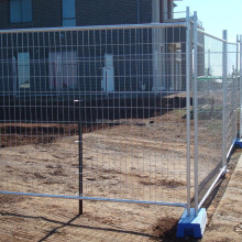 Easily assembled galvanized steel temporary dog fence