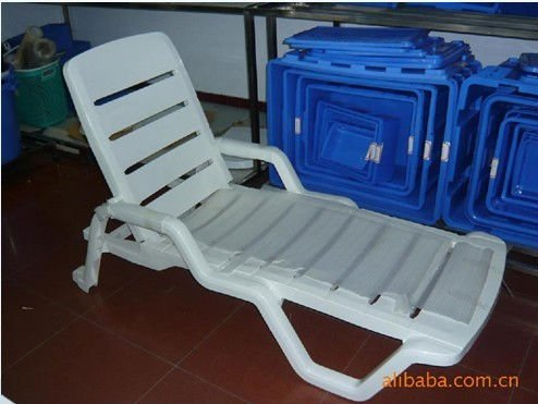 2016 high quality white plastic outdoor swimming pool lounge chair/beach sunbed