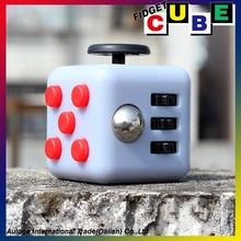 Amazon hot selling 2017 popular tri-spinner fidget toy fidget cube toys r us