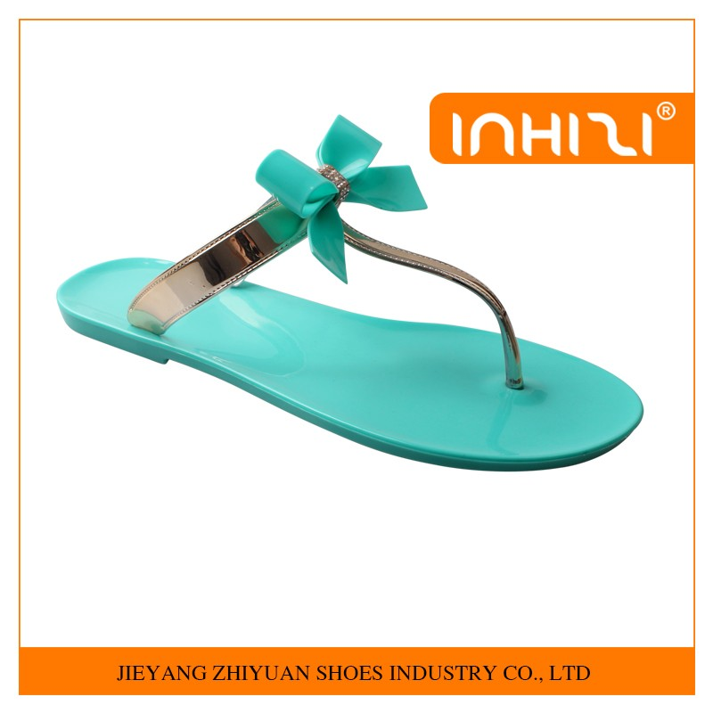 Low price ladies flat jelly sandals women colorful PVC jelly sandal shoe