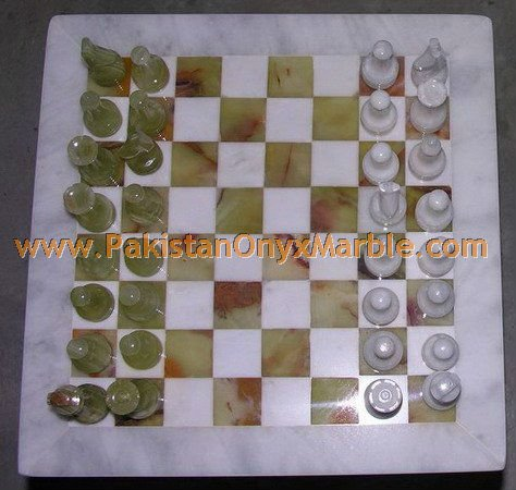 onyx-chess-boards-set-checkers-red-onyx-green-onyx-white-onyx-figures-02.jpg
