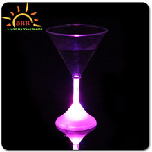Party supplies barwear decorative flashing led goblet martini wine cups novelty drinking glasses