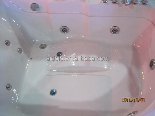 Massage jetted tub whirlpool spa tub