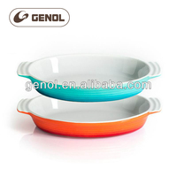 Round ceramic stoneware oven safe baking tray with silicon handle