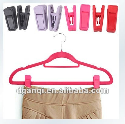 Plastic Skirt Pant Clips/ Velvet Hangers with cilps
