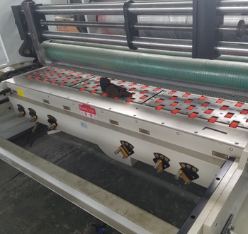 Lead feeder corrugated paperboard printing and die cutting machine -single color