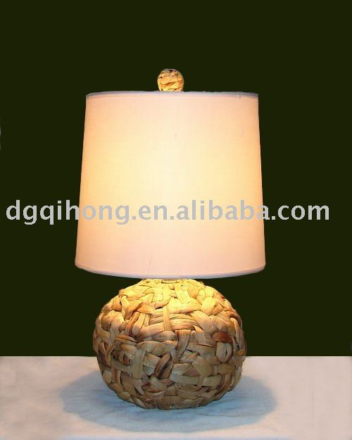 Fashion handmake weaving rattan grass base with fabric shade modern table lamp