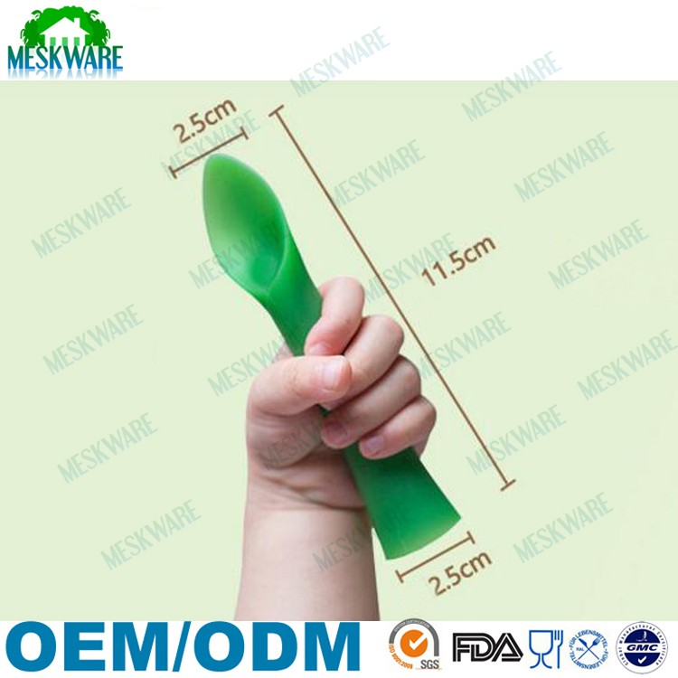 2017 New design food grade silicone bendable training spoon teether, 2pk