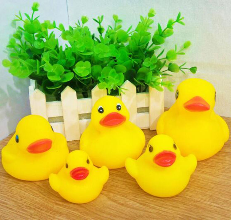 Factory manufacture various floating bath toy mini plastic duck for kids