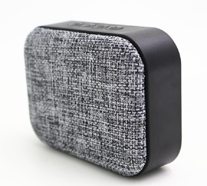 2017 Jinruitai Manufacturer 3W Active Mini Portable Colorful Fabric Bluetooth Speaker With Factory Price