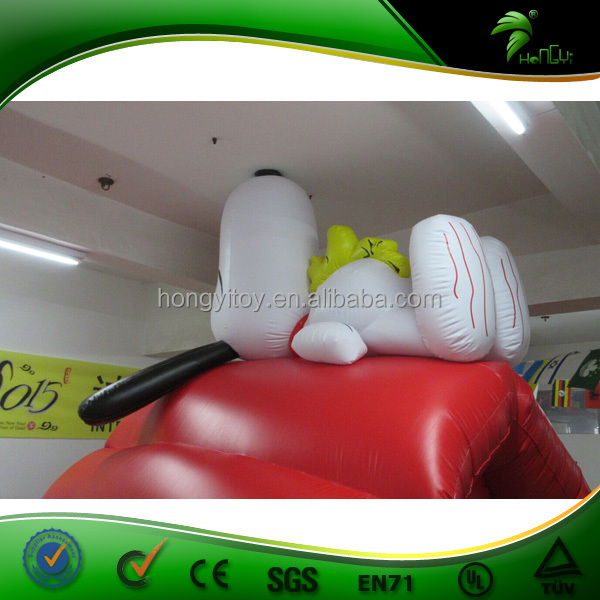 Red House with Lovely Dog Inflatable Cartoon Model Customized Design Inflatable Balloon for Christmas/Promotion Decoration