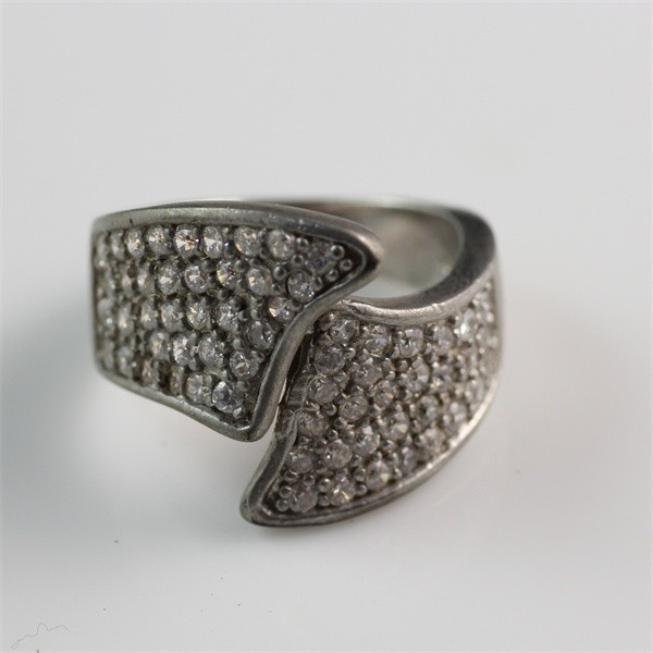 Hot Selling White Zircon Simple Special Fashionable Design Antique Men Ring