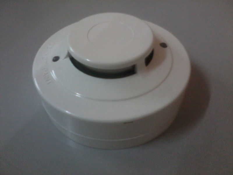 24 VDC Photoelectric Smoke Detector with Remote LED Output
