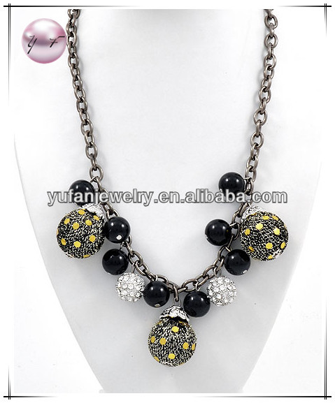 Hematite Tone / Black Ceramic / Hand Woven Gold Fabric / Clear Rhinestone / Lead&nickel Compliant / Charm Necklace