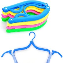 J468 Portable Folding Plastic Clothing Coat Hanger Traveling Foldable Hanger