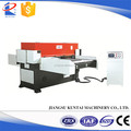 Hydraulic cutting press for material in sheets
