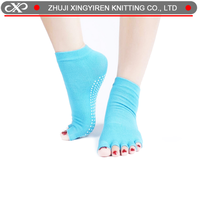 XYR-0697- B barre sock wit grips pilates socks indoor sock