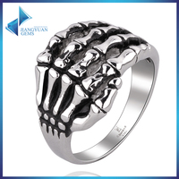 simple design Skeleton hands stainless steel finger rings with rhodium plated