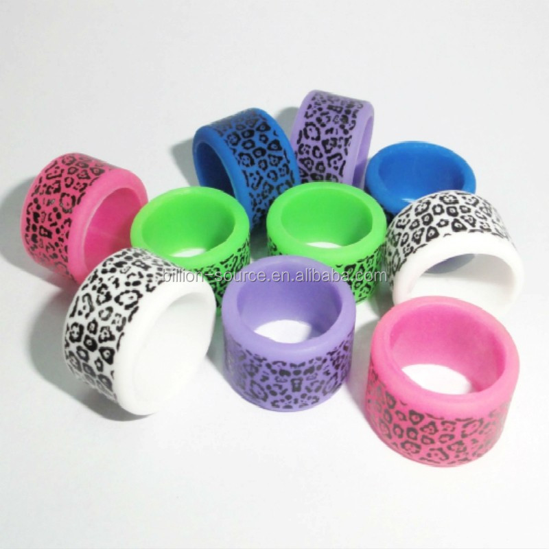 Eye-catching fashion big thumb ring silicone finger ring for women
