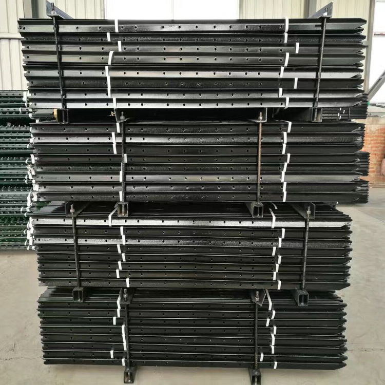 China Factory Steel Fence Y Type Star Picket Fence Post