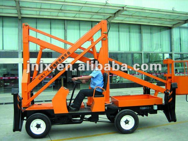 Four-wheel automatic hand crank lift table