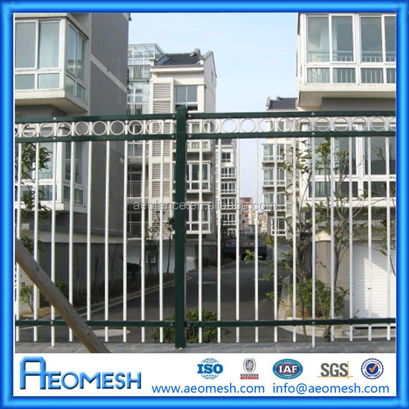 Hot Sale Low Cost Plastic/Vinyl/PVC/Metal Picket Fence