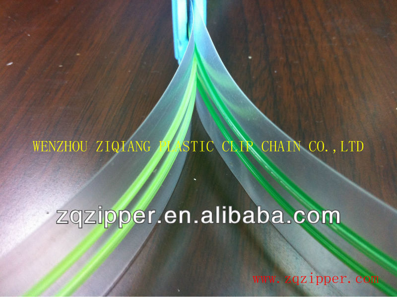 Double track plastic zipper for food package