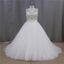 Neckline Applique black and white plus size wedding gown 2013