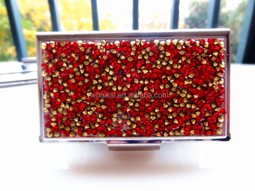 Red diamonds metal business card case