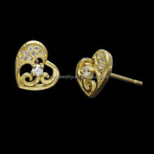 Magnificent Raw Brass Zircon Inlay Heart Shaped Middle East Style Earrings for Women
